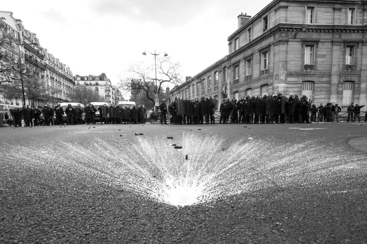 French riot police blocking a street | © Christian Martischius