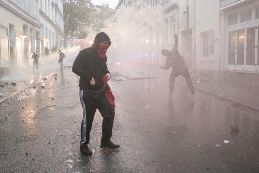 Rioters in Hamburg's Schanzenviertel