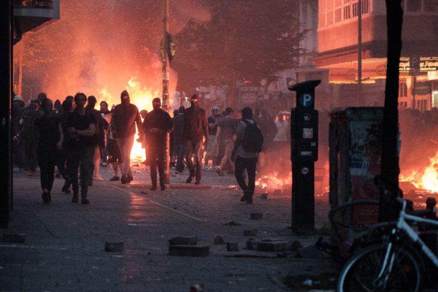 Burning barricades in Hamburg's Schanzenviertel