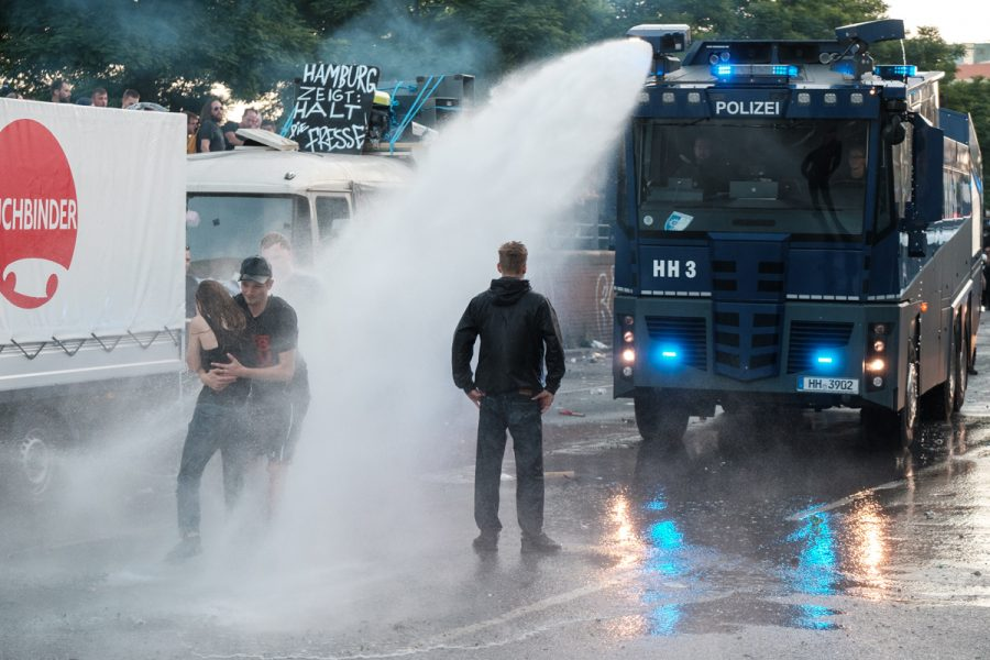 Police uses water cannon against Protesters